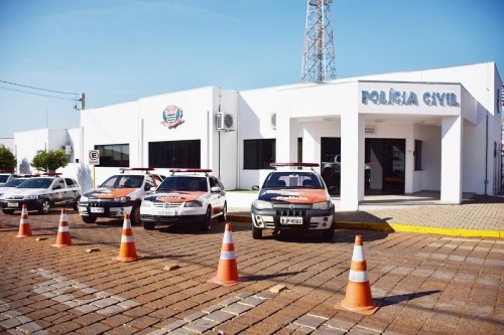 Homem é preso ao ameaçar companheira em Taquarituba