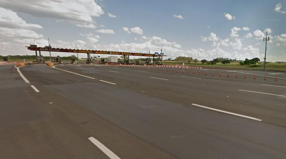 Praça de pedágio em Iaras (SP), na Castello Branco, onde motorista parou após dirigir por mais de 70 quilômetros na contramão — Foto: Reprodução/Google Street View