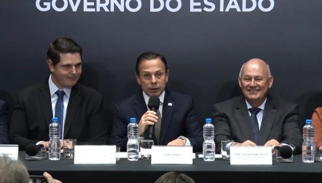 Governador e representantes da empresa anunciam investimento de R$ 730 milhões para complexo industrial em Conchal — Foto: Governo do Estado de São Paulo/Divulgação