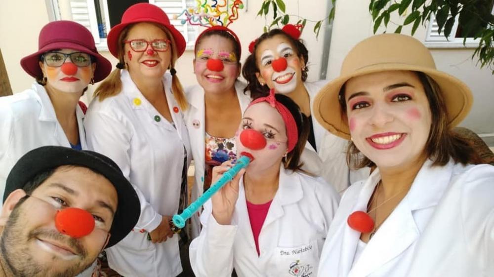 Grupo Doutorlhaços faz visitas a pacientes de hospitais em Avaré (SP) — Foto: Doutorlhaços/Divulgação