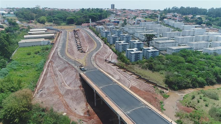 Prefeitura de Botucatu assina contrato para instalação de iluminação em LED no Anel Viário