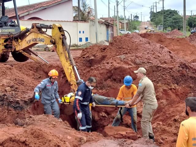 Homem ficou ferido após terra desmoronar em Itaí (SP) — Foto: Arquivo Pessoal