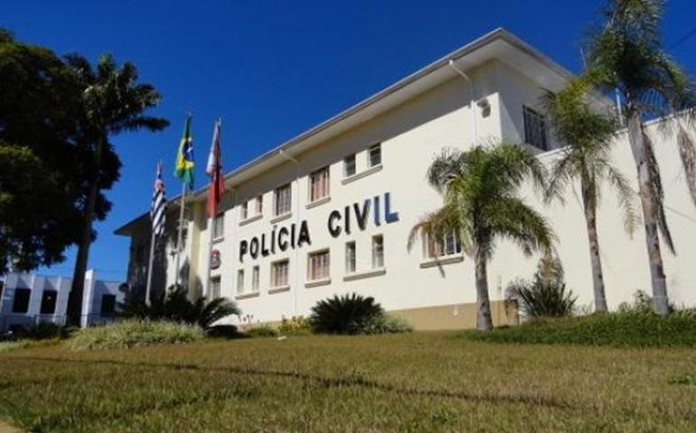 Monitora escolar denuncia ofensa e agressão com chutes, socos e puxões de cabelo durante o trabalho em Avaré