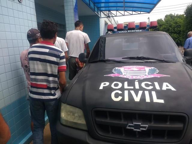 Dupla foi presa em ação da Polícia Civil de Taquarituba (SP) — Foto: Polícia Civil/Divulgação