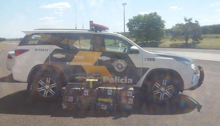 TOR captura dois homens com mais de 300 kg drogas na Rodovia Castello Branco em Avaré