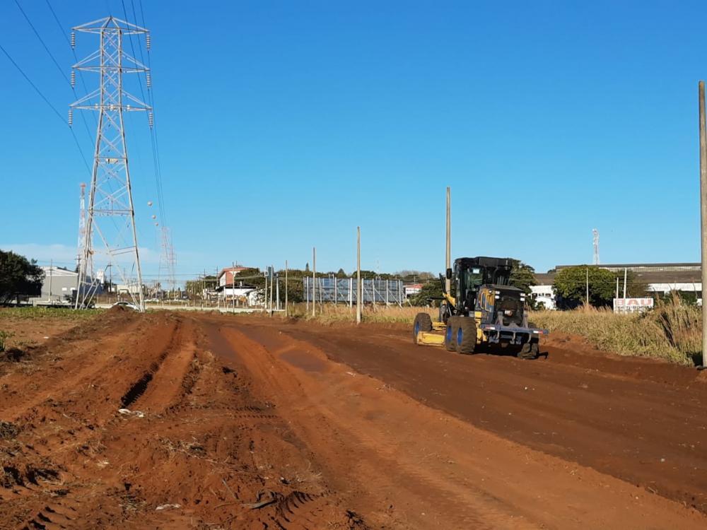 Pavimentação em avenida amplia acesso ao São Rogério e adjacências
